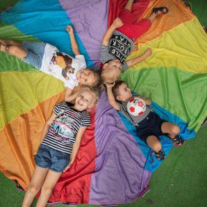 nauka poprzez zabawę w międzynarodowym przedszkolu